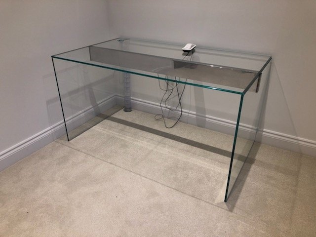 Air glass desk