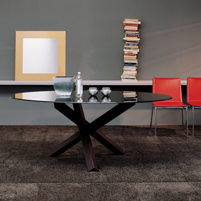 Aikido-Glass-Dining-Table-by-sovet-Italia-7