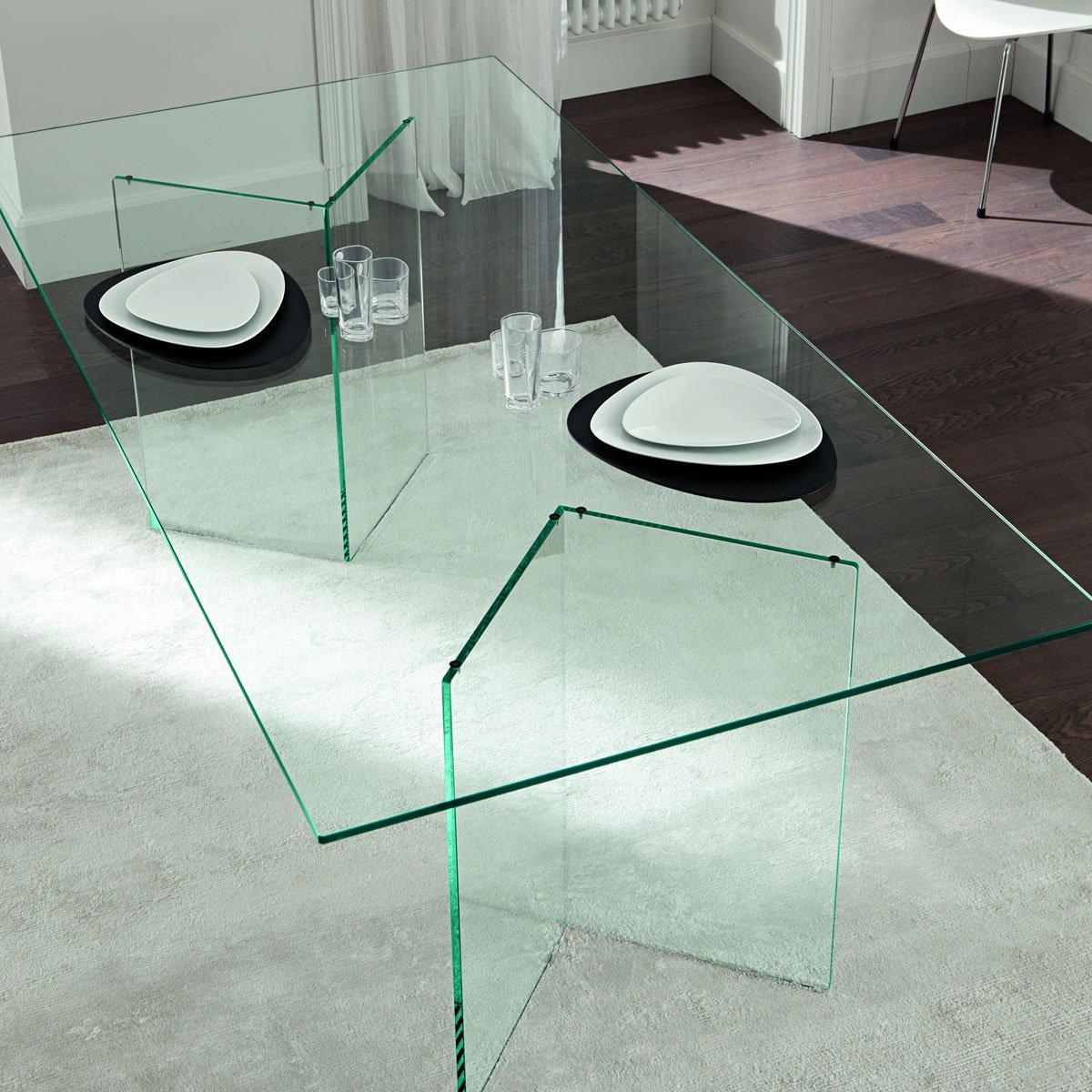 Tonelli bacco glass dining table klarity glass furniture for Glass furniture