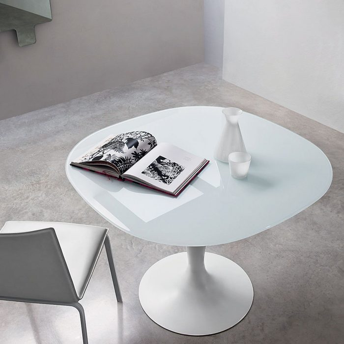 flute-square-glass-and-metal-dining-table