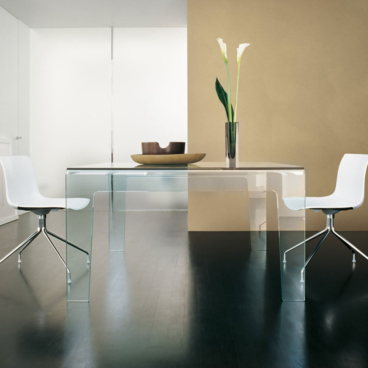 frog cuved glass dining table klarity glass furniture. Black Bedroom Furniture Sets. Home Design Ideas