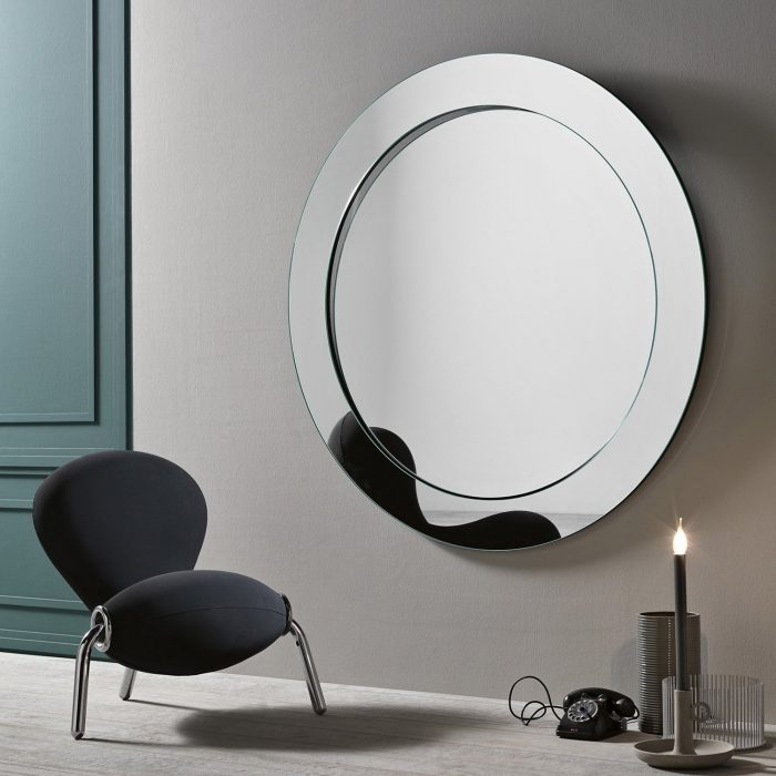 Gerundio leaning full length mirror by tonelli klarity glass furniture Mirror glass furniture