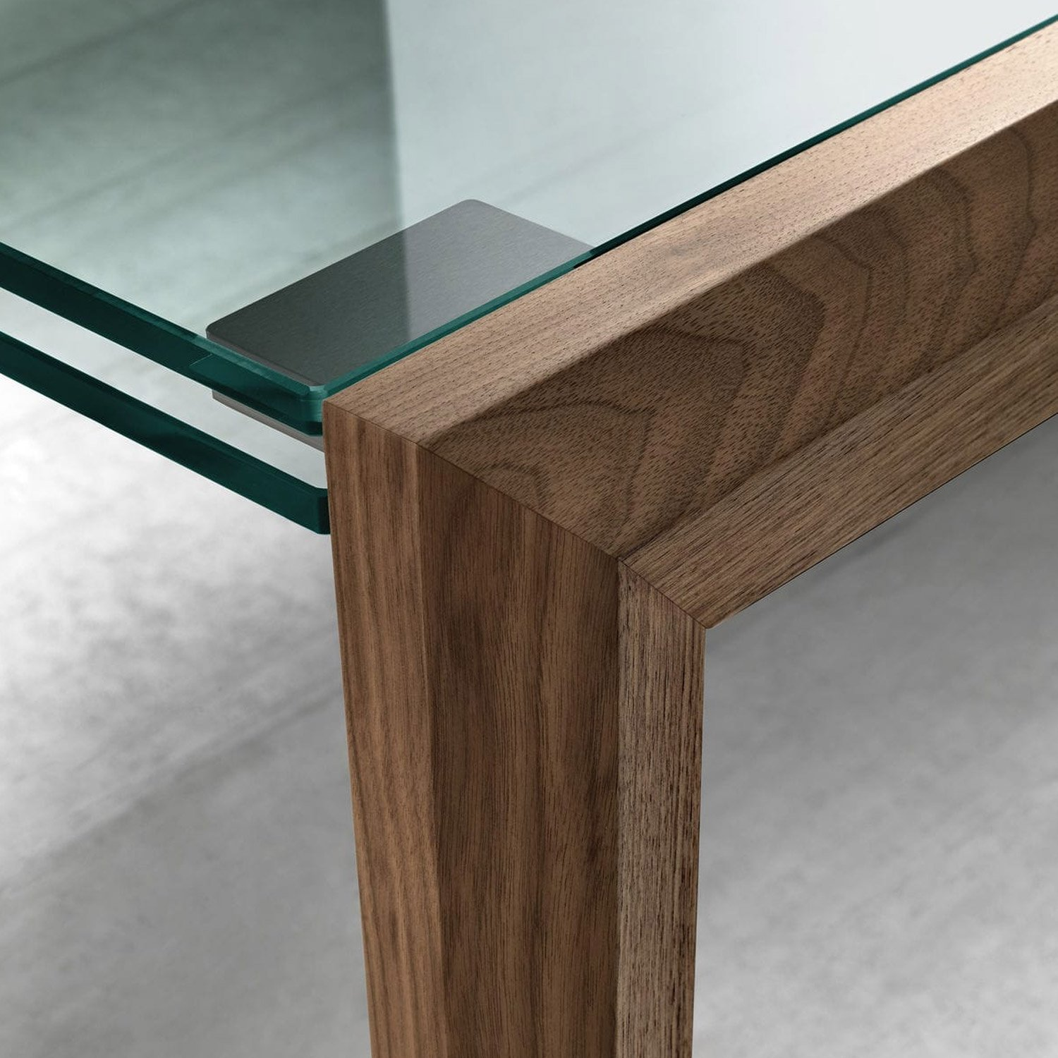 Lapsus extendable glass dining table by tonelli klarity for Extendable glass dining table