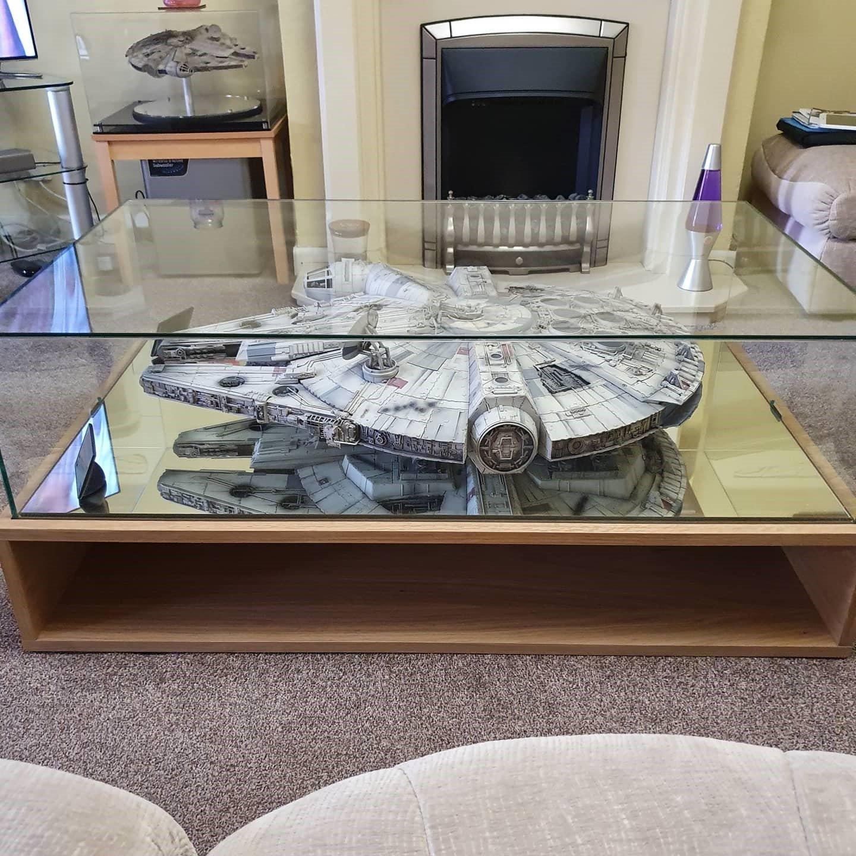 loop display case coffee table for Star Wars model