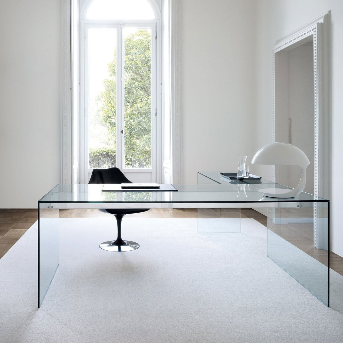 Air glass desk l by gallotti radice klarity glass for Glass furniture