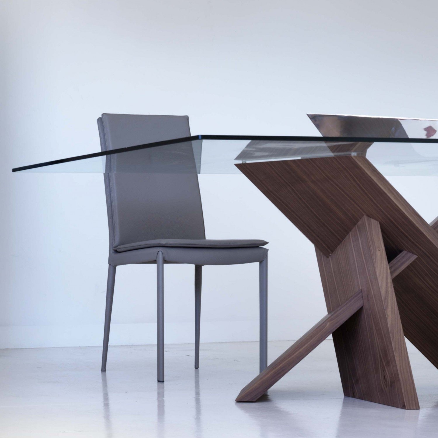Tripode Wood and Glass Dining Table - Klarity - Glass ...