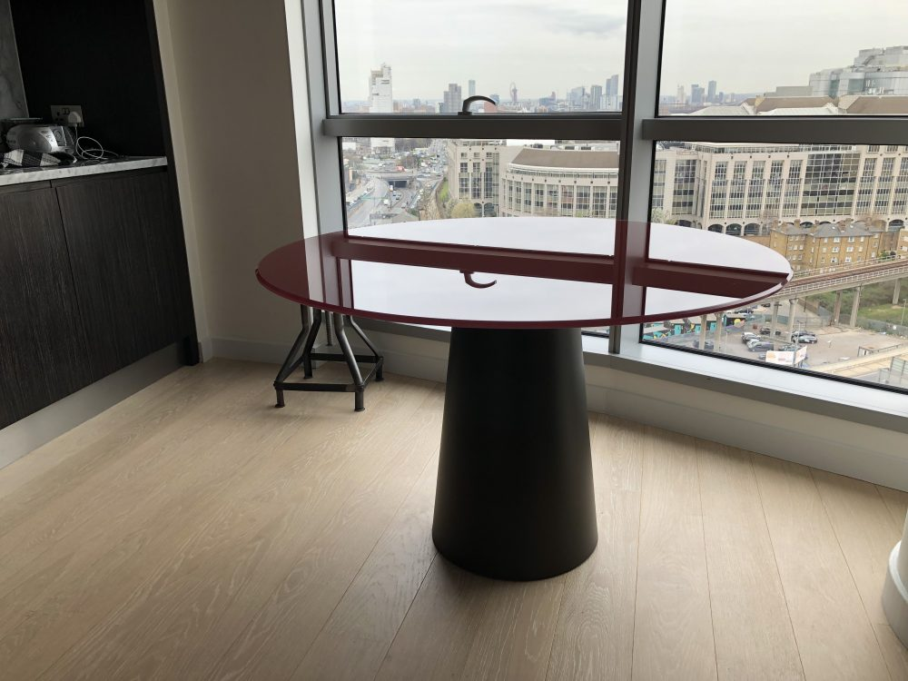 Totem Glass and metal table round