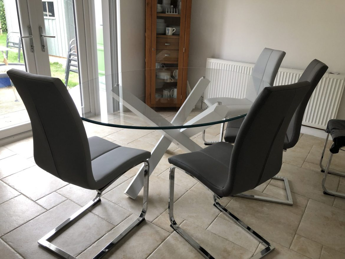Aikido Glass Dining Tables white legs