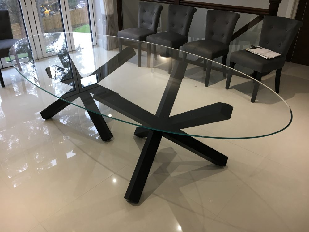 Aikido Oval Dining Table