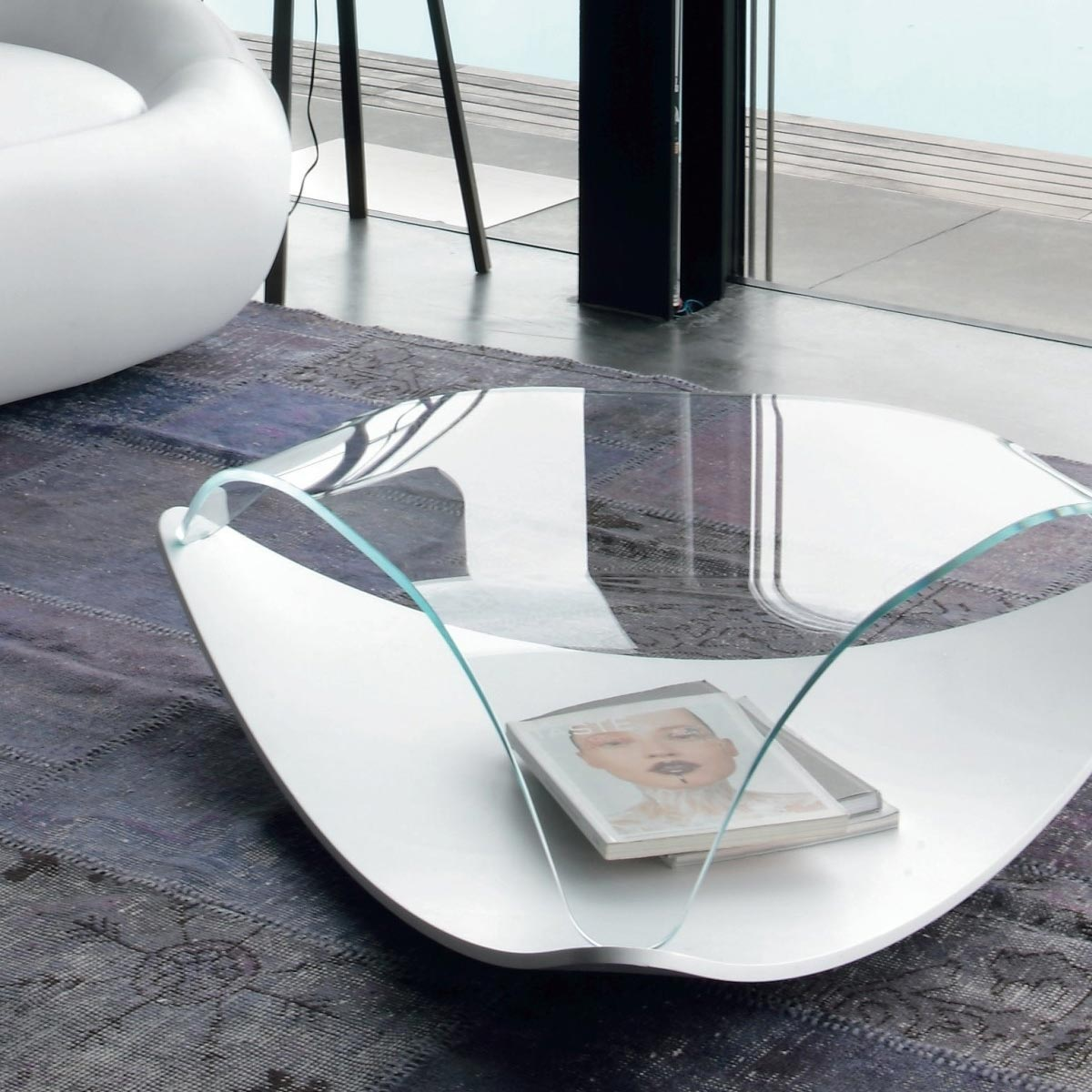 quiet coffee table tonic casa