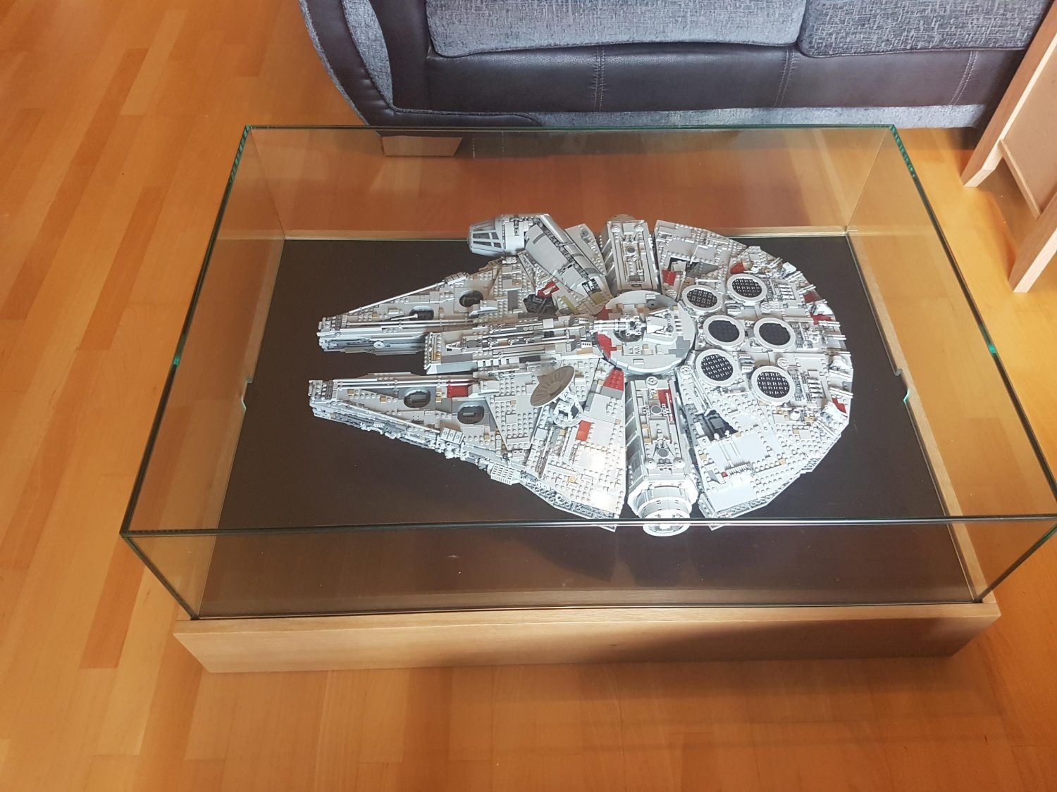Millennium Falcon Display Table-3